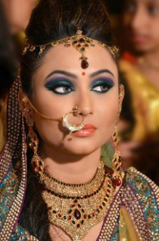 Bollywood Makeup Styles - Mugeek Vidalondon