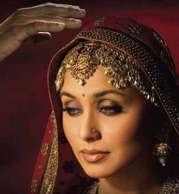 Bollywood Makeup Whiz: Rani's Gold and Bronze Bridal ...