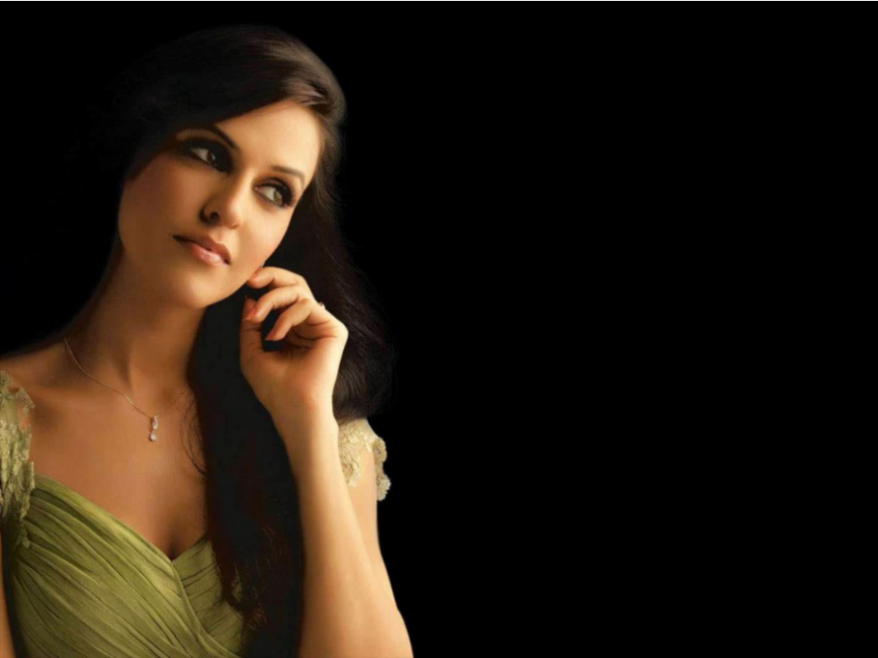 Bollywood pretty girl neha dhupia wallpapers and ...