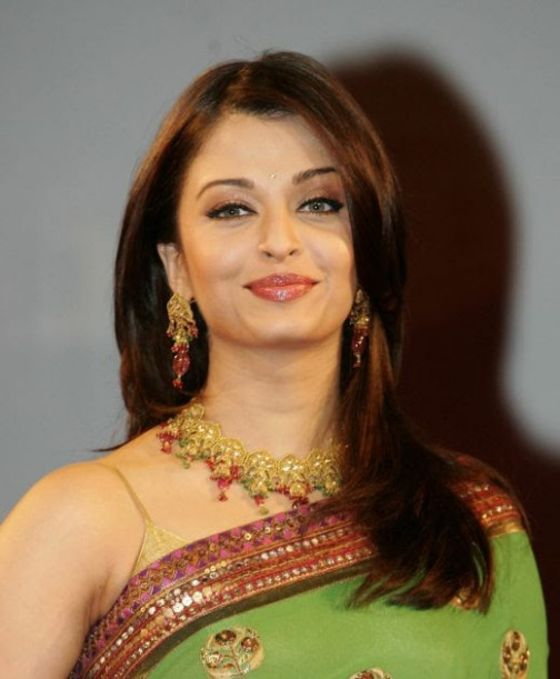 Bollywood Queen Aishwarya Rai: Aishwarya Rai Sleeveless ...