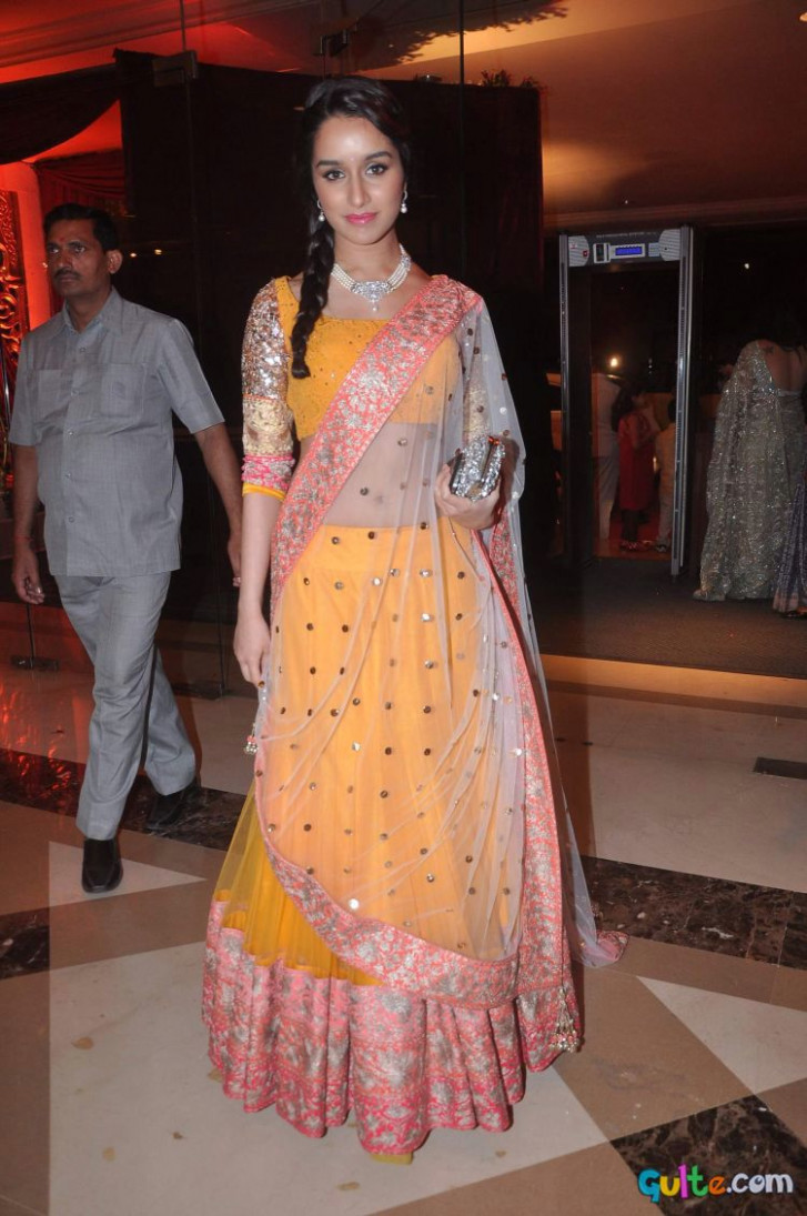 Bollywood Stars At Bappa Lahiri Wedding Reception Photos ...