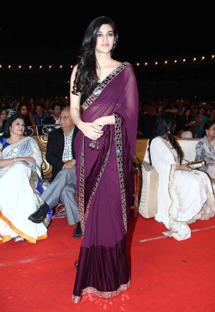 Bollywood Style Kriti Sanon Georgette and Net saree in ...
