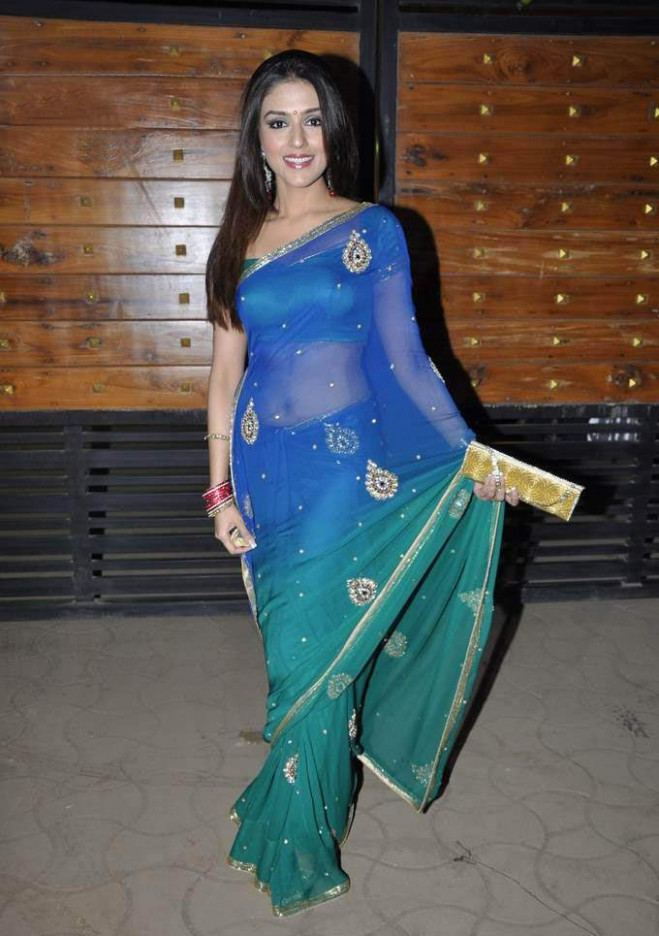 Breaking News Online: Bollywood Actress in Saree Photos