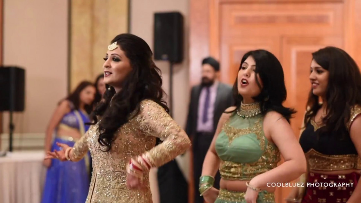 Bride Wedding Dance Performance | Medley of hit Bollywood ...
