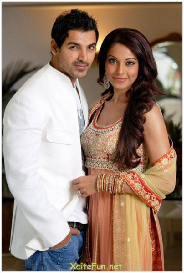 Cute Bollywood Couples - XciteFun.net