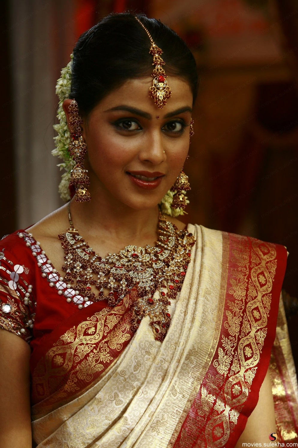 cute genelia in traditional saree and bridal makeup | Cute ...