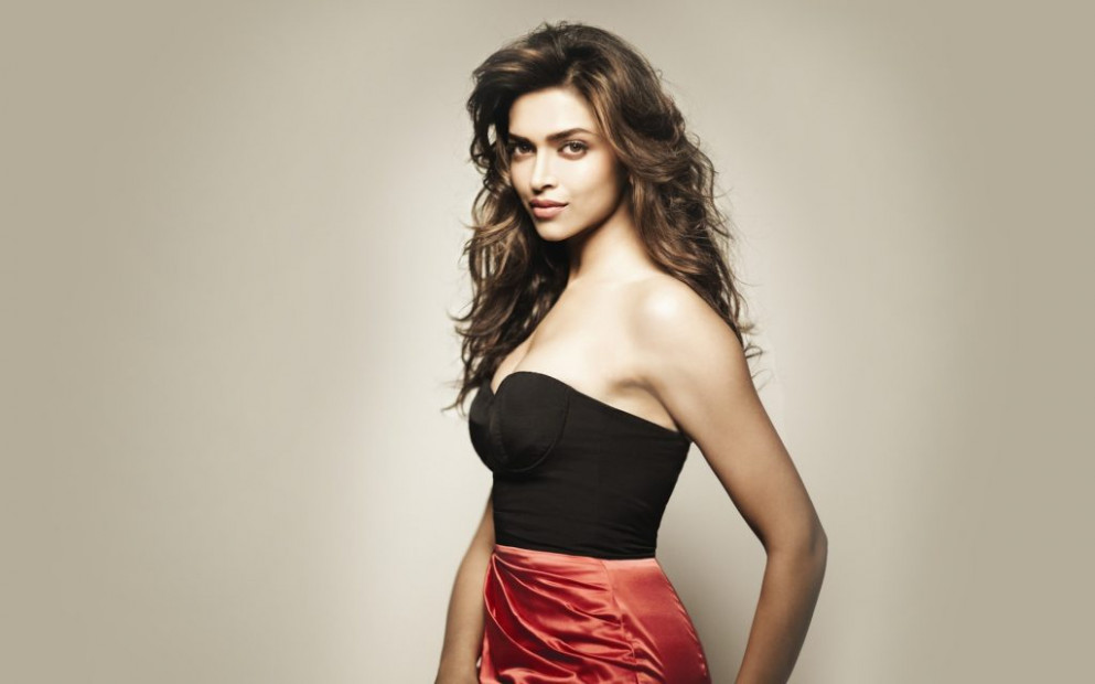 Deepika Padukone Hot & Sexy Images | Wallpapers ...