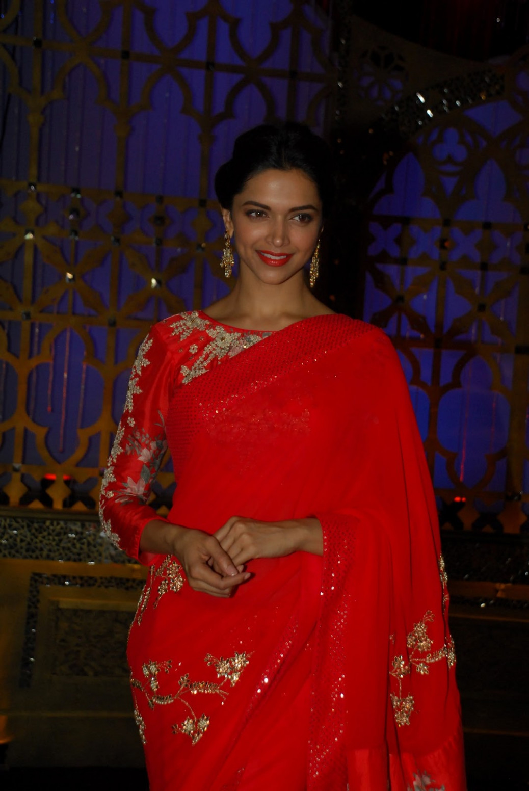 Deepika Padukone Photos In Designer Red Saree - Kollywood ...