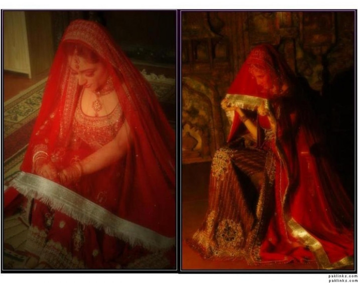 Desi bride in ghoonghat (veil) | Desi Weddings! | Pinterest