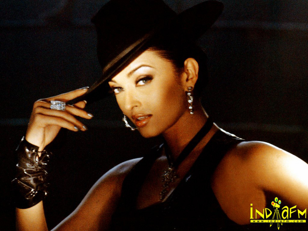 Dil Ka Rishta 2003 Wallpapers | aishwarya-rai-171 ...