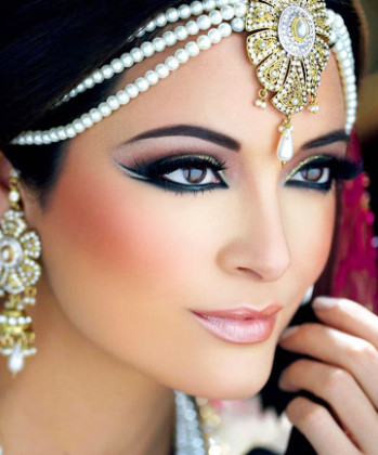 Double-Winged Liner, 10 Stunning Bollywood-Inspired Eye ...