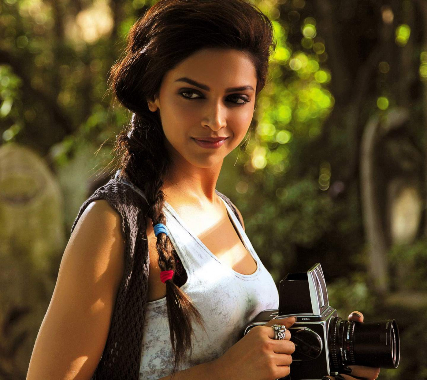 Download Bollywood Actress HD Wallpapers For Mobile Gallery