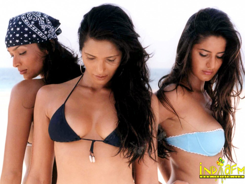 Download Free Wallpapers of Actors and actress Bollywood ...