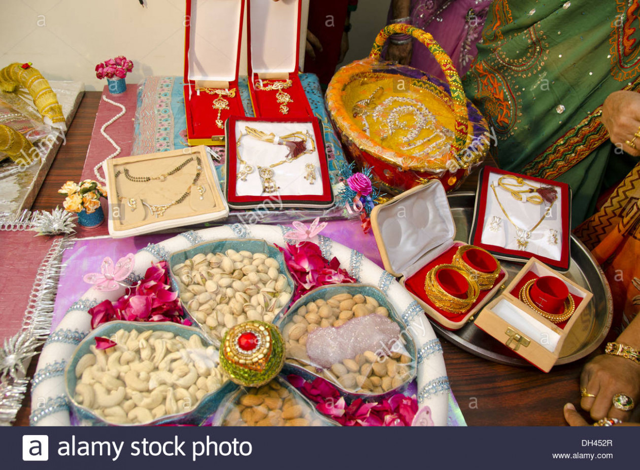 Dowry gifts jewellery dry fruits decorative packing for ...
