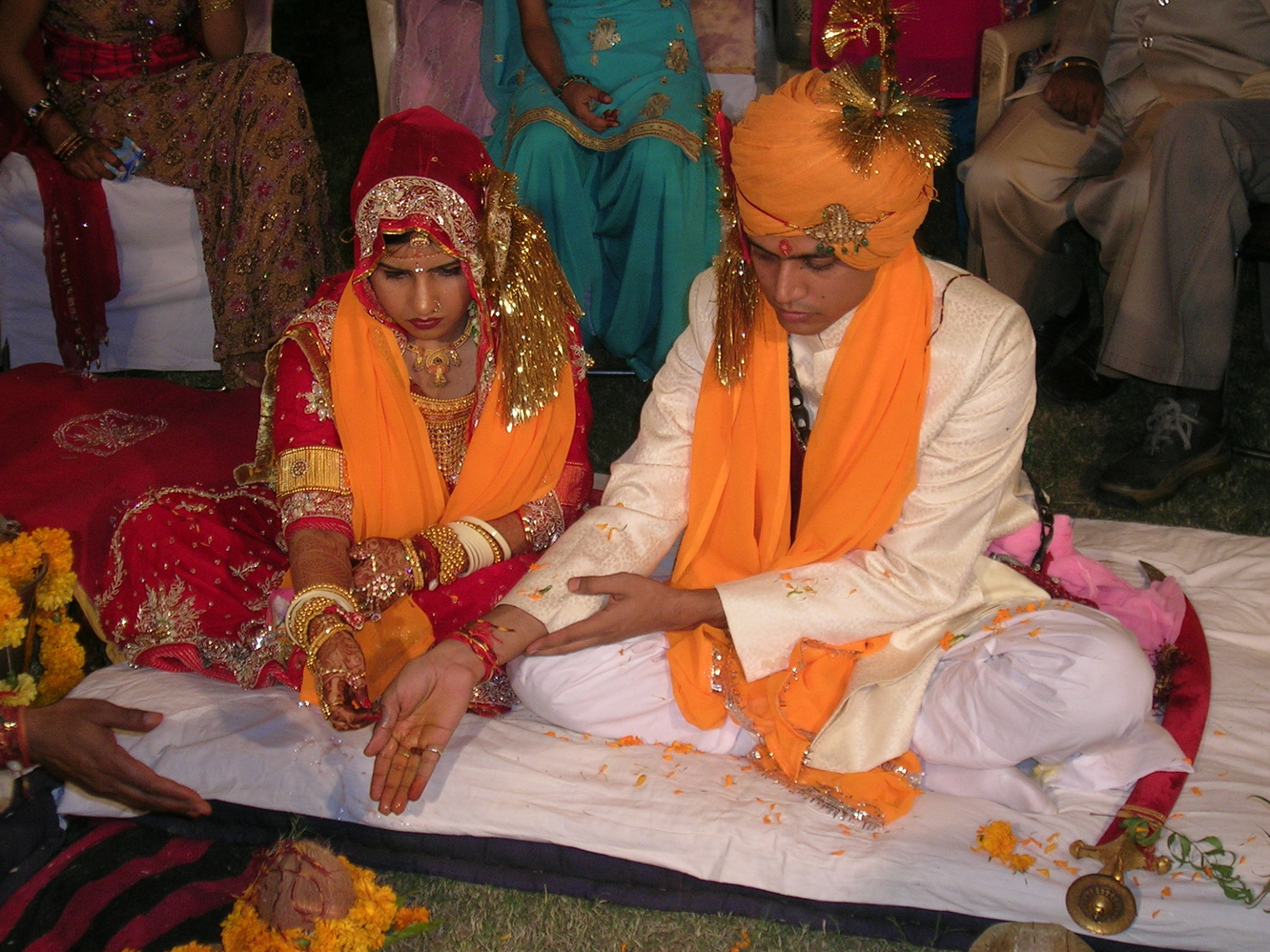 File:Hindu marriage ceremony offering.jpg - Wikipedia