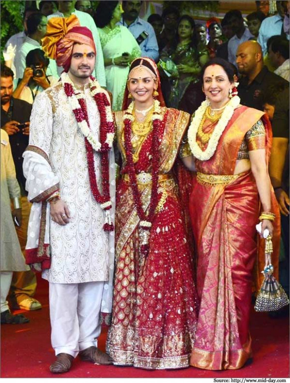 Hema Malini and Family in Bollywood Wedding Sarees and ...