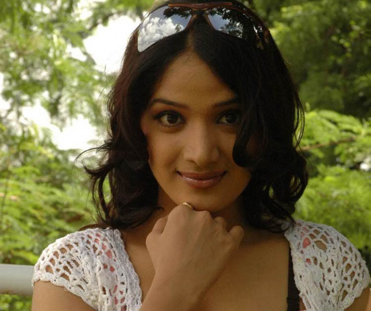 Heroine Hot Photos Wallpapers Videos: Tollywood Hot Photos