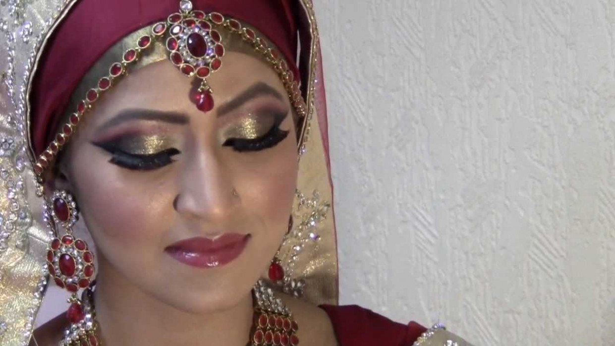Hijabi Bride Make up for Small Eyes - YouTube