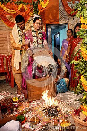 Hindu Marriage Rituals Editorial Photography - Image: 27044297