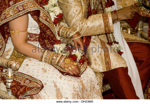 Hindu Wedding Bride Groom Stock Photos & Hindu Wedding ...