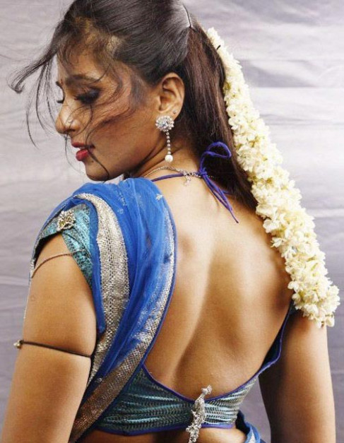Hot Actress Pics: Tollywood Actress Anushka Shetty Saree ...
