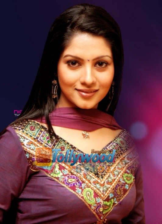 HOT ACTRESSES PICTURES AND GOSSIPS: Payel Hot Bengali ...
