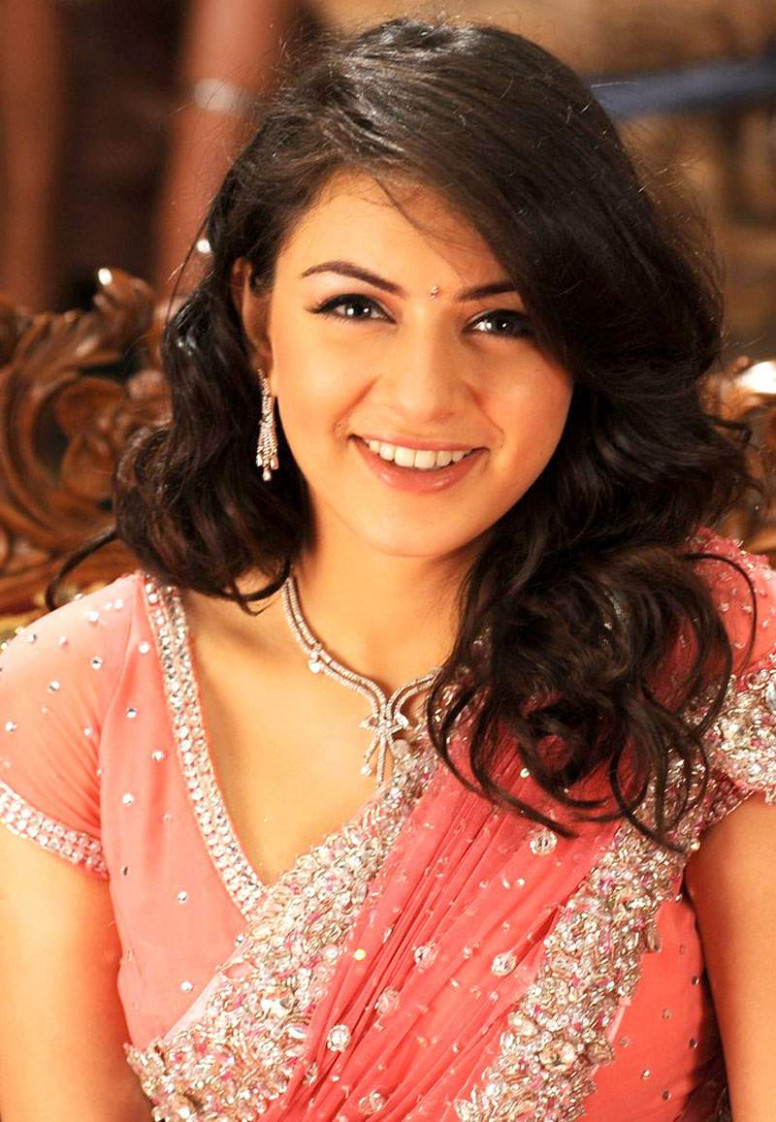 hot gallery: Tollywood Actress Hansika Motwani in Saree Photos