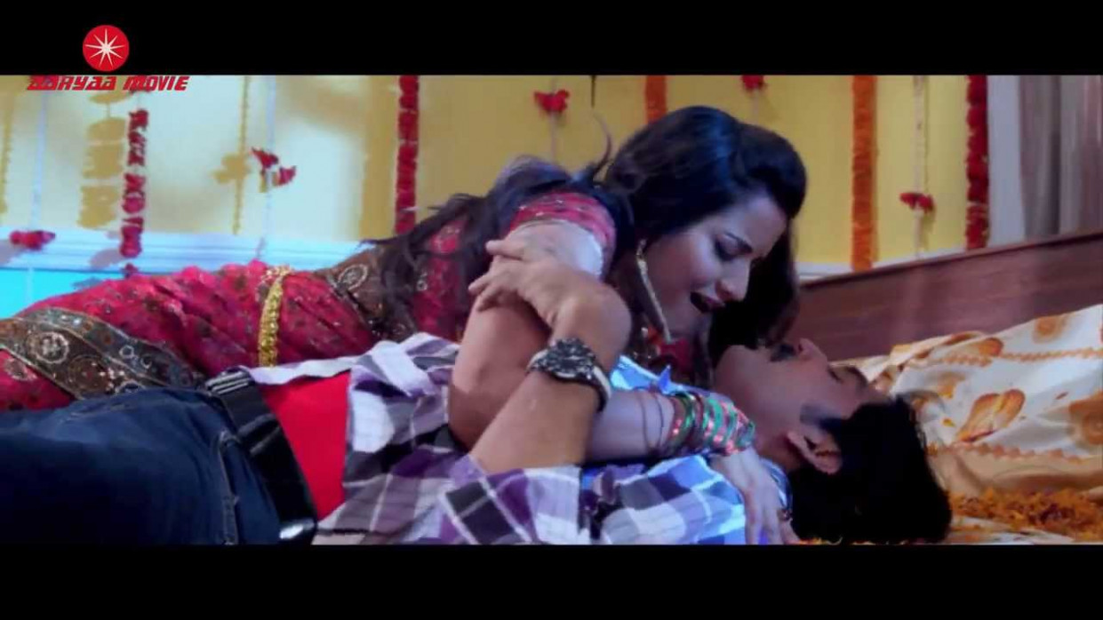 HOT Monalisa Hot Bhojpuri masala navel saree bedroom song ...