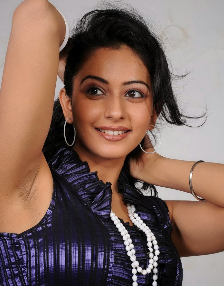hot punjabi student upcoming tollywood actress busty rakul ..