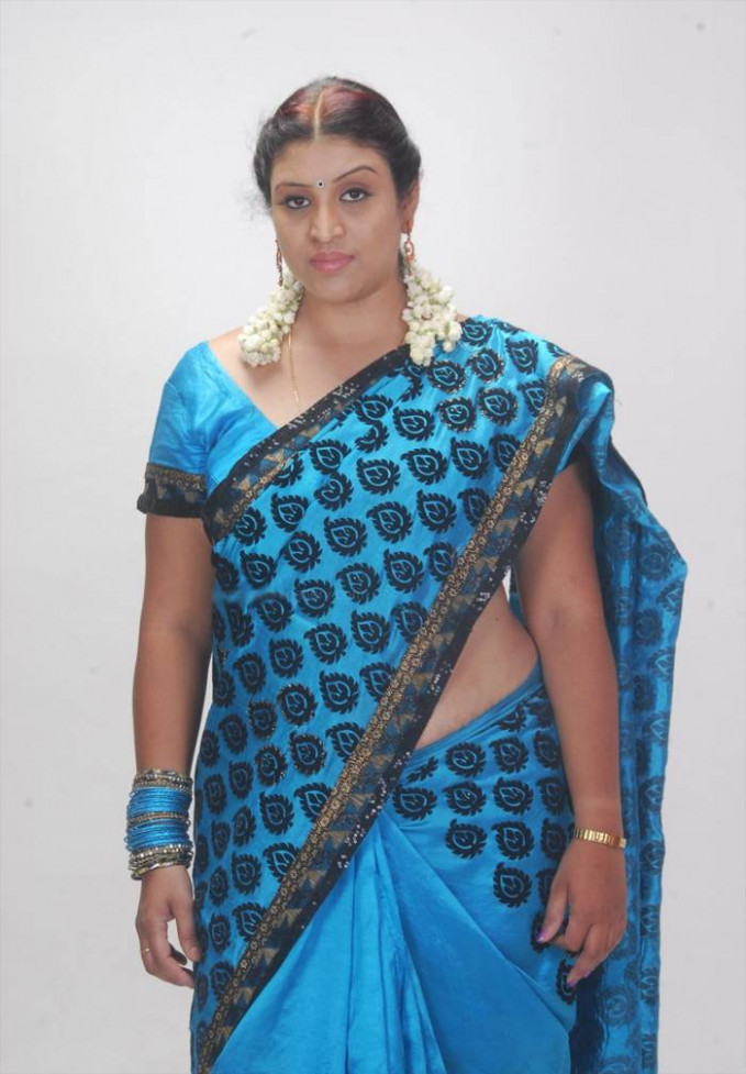 Hot Tollywood Actress Uma Blue Saree Photos | Actress ..