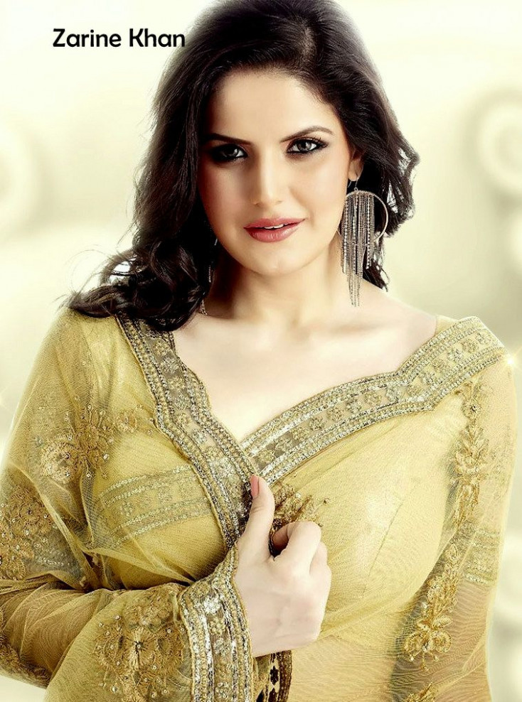 Hot Zarine Khan in Saree - Facebook Display Pictures ...
