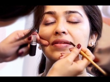 How to Apply Make Up in Hindi - YouTube