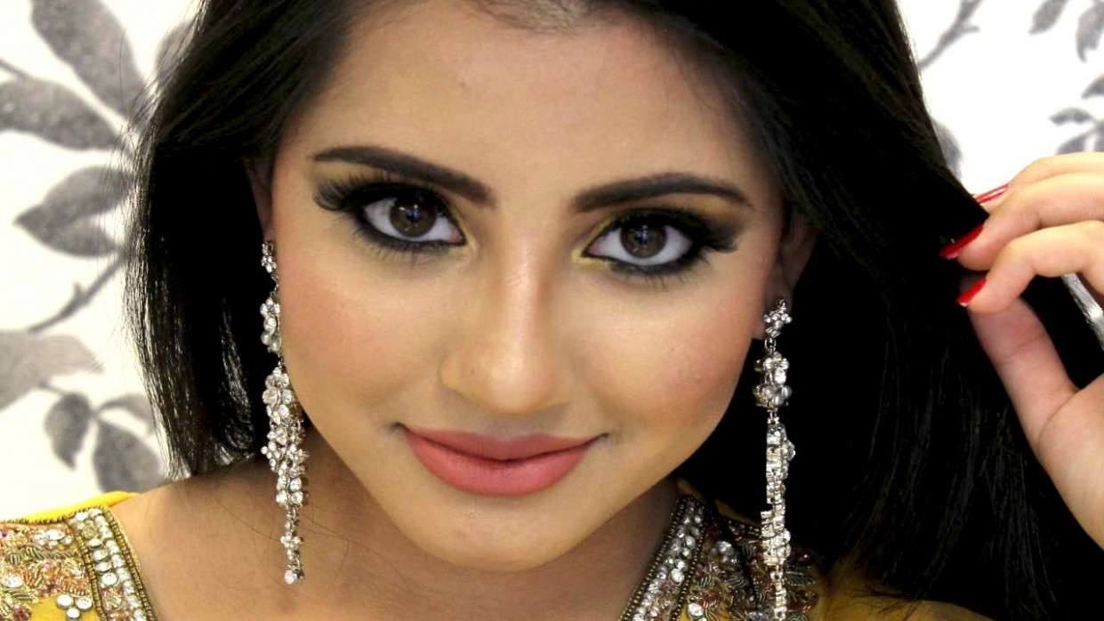 How to do Amazing Eye Makeup For Mehndi Function - Top ...