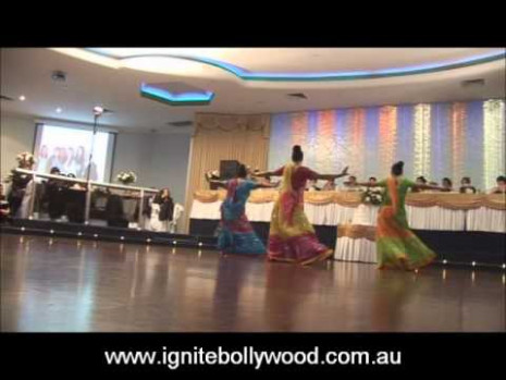Ignite Bollywood Wedding Performance Aja Nachle - YouTube