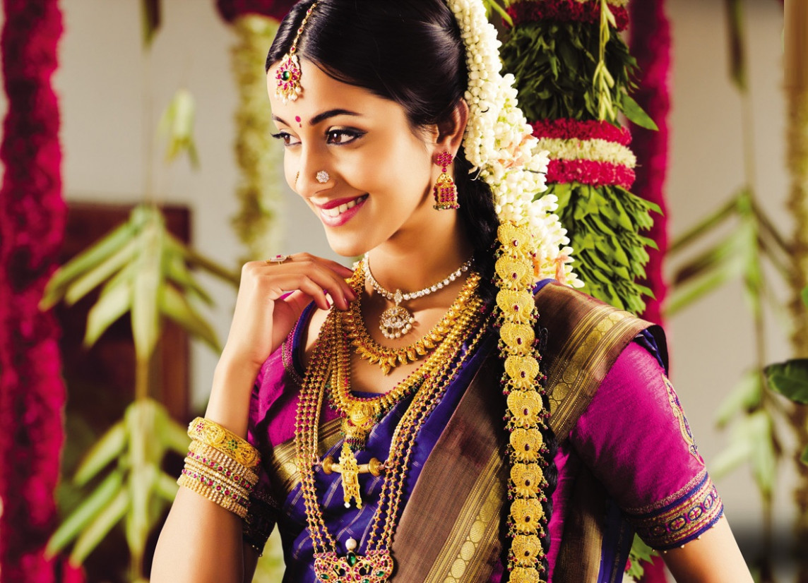 Indian bridal hairstyle - Dulhan latest hairstyles for wedding