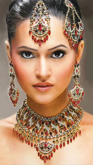 Indian Bridal Jewellery Images and Videos ~ Dresses Shoes