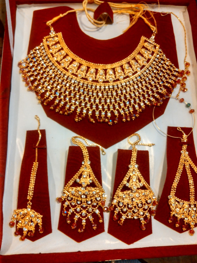 Indian Gold Plated Bridal Jewellery Price in Pakistan ...