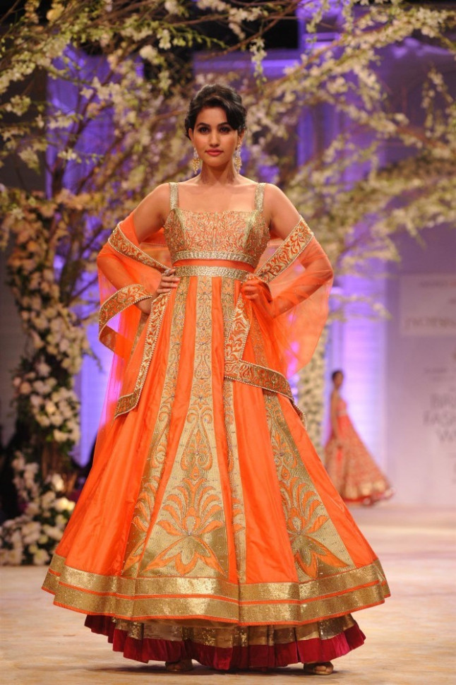 Indian Models walking the ramp showcasing designer Jyotsna ...
