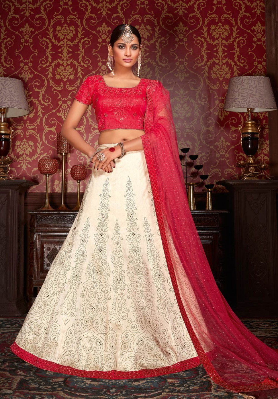 Indian Wedding Wear Outfits 2017, Bridal Lehenga Choli ...