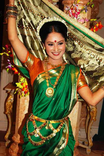 'It's very difficult to dance in a nine-yard sari ...