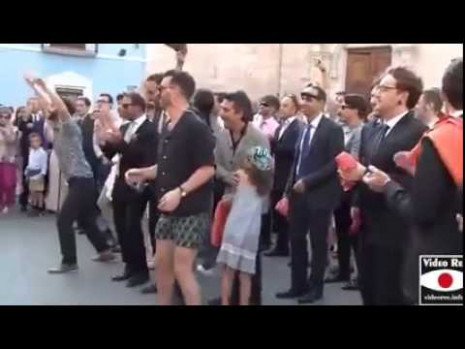 Italian Bride dances to Bollywood song! - YouTube