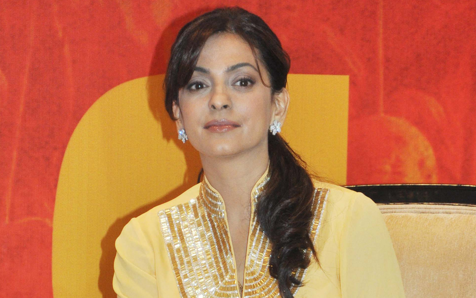 Juhi chawla bollywood actress wallpapers and backgrounds ...