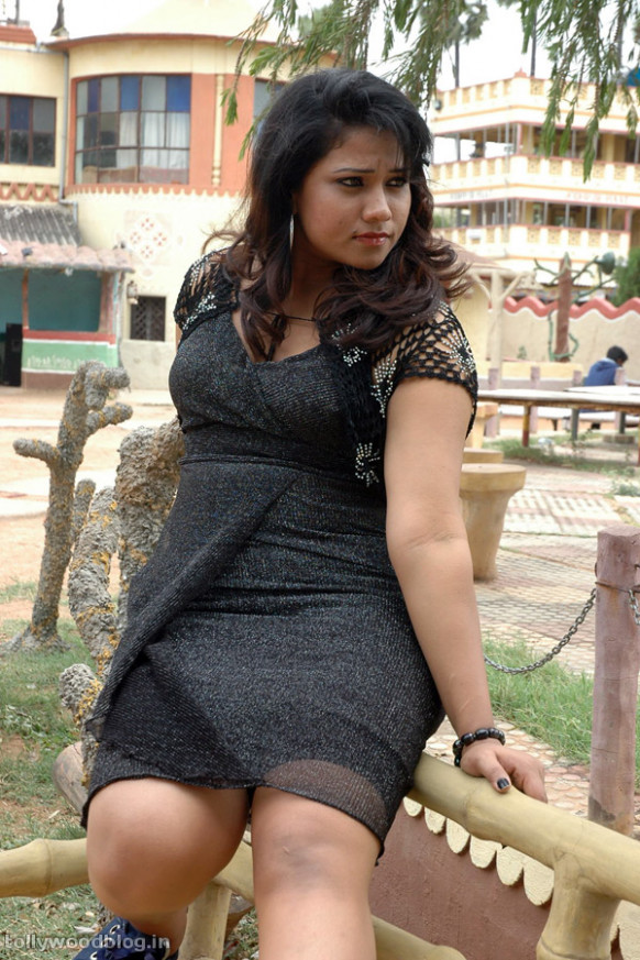 JYOTHI HOT PHOTOS FROM GANDARAGOLAM TELUGU MOVIE | All ...
