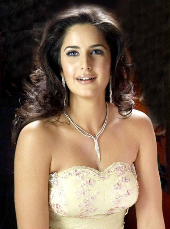 Katrina Kaif - Celebrity Wallpapers: Katrina Kaif Romantic ...