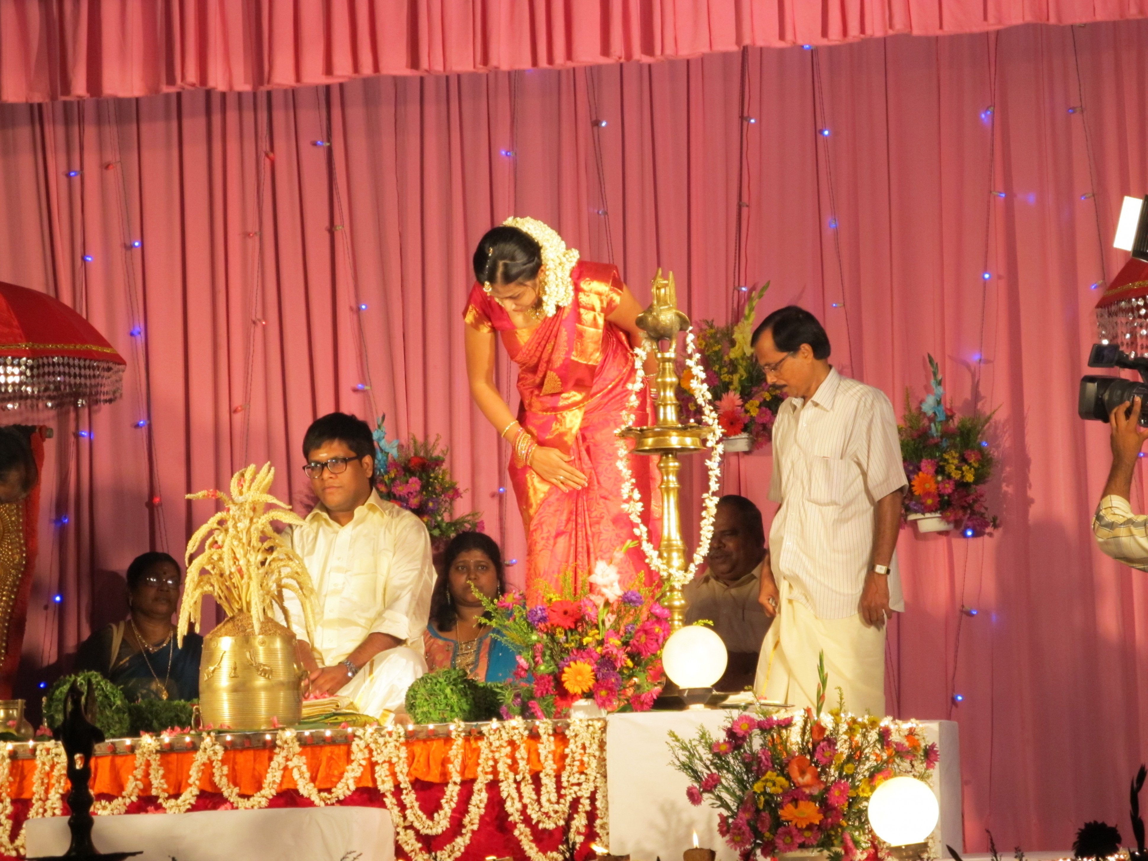 Kerala Hindu Marriage Stage | www.imgkid.com - The Image ...