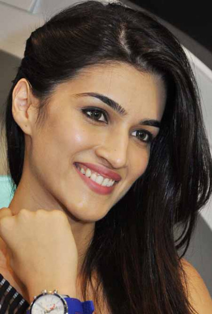 Kriti Sanon Attractive Bollywood Actress hd pics | Latest ...