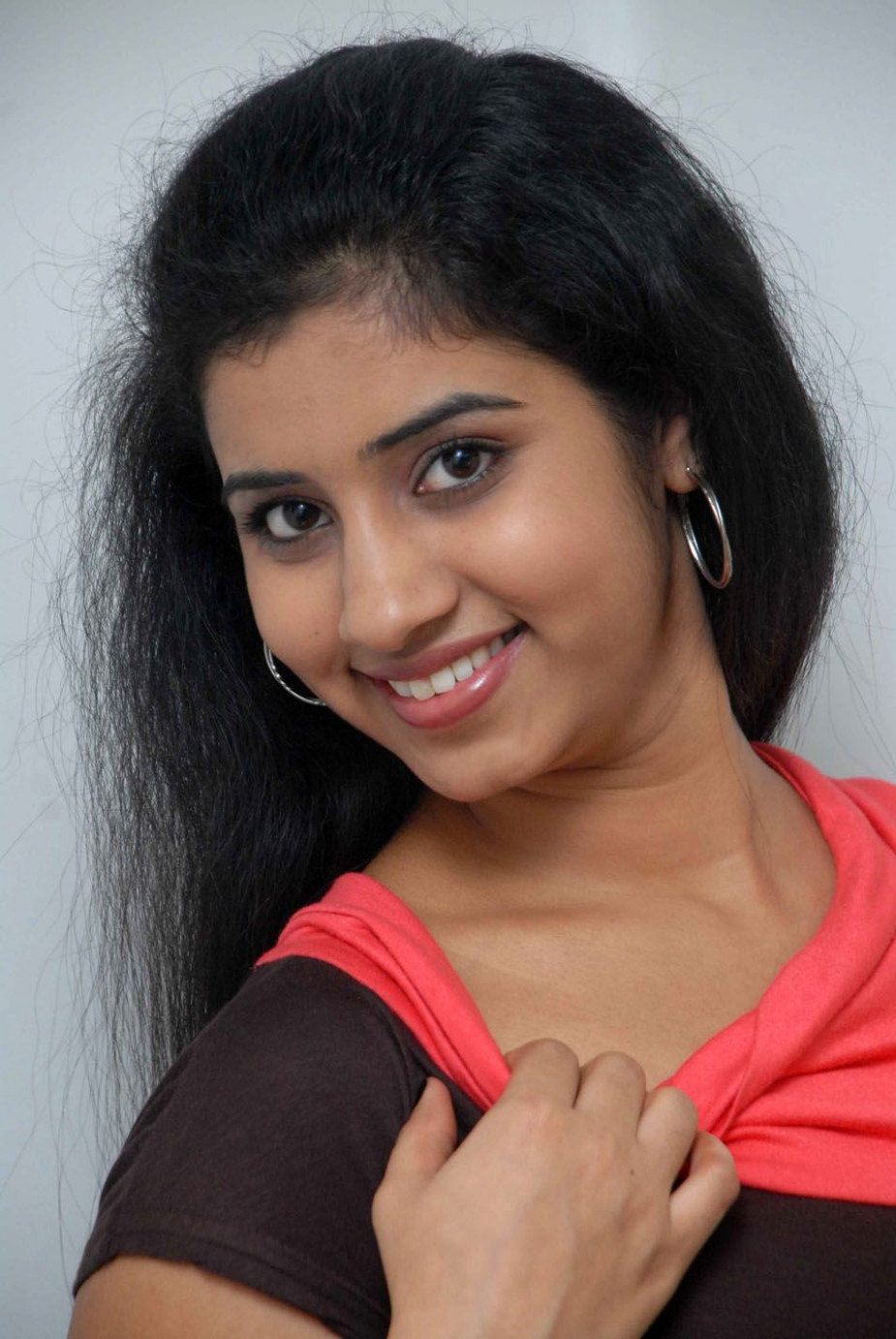 Lady Artists Photo Gallery: Sushma - New Entry In Tollywood