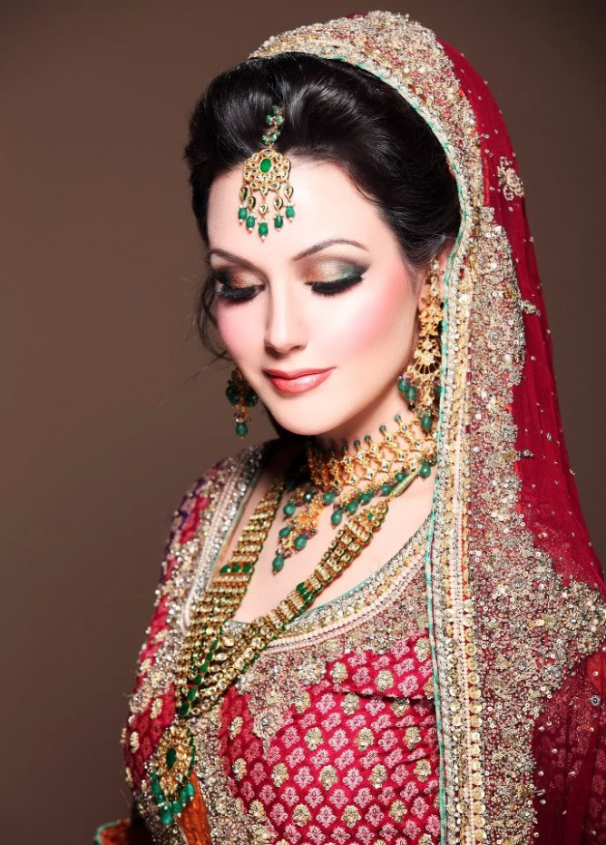 Latest Dulhan Makeup by Kashee's Beauty Parlour – Complete ...