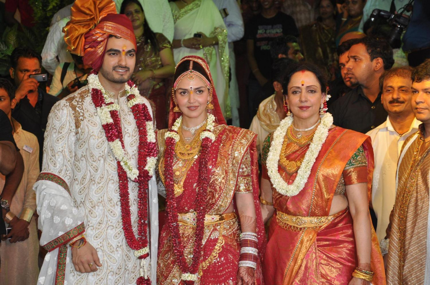 Latest Films News: Esha Deol and Bharat Takhtani Marriage ...
