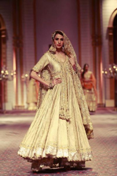 Latest Indian Bridal Wear in Gold